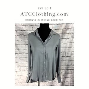 A1 Stylebook Gray Long Sleeve High-low button up